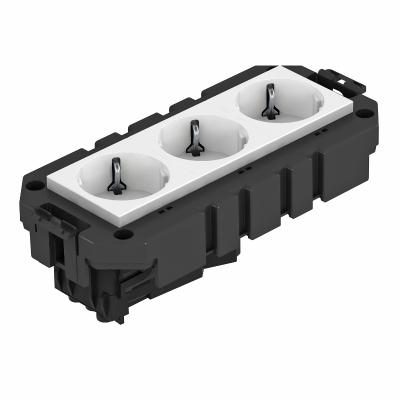 Модульная рамка MT3, укомплектованная тройной розеткой с защитным контактом, на 1 цепь тока, длина 165 мм — арт.: 7404632