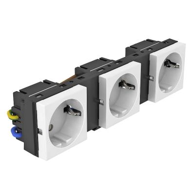 Укомплектованная монтажная рамка с 3 одинарными розетками Modul 45 — арт.: 7408697